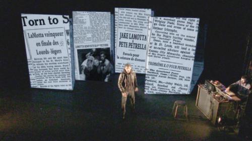 """Extrait du spectacle """"Raging Bull"""" - Articles de journaux"""